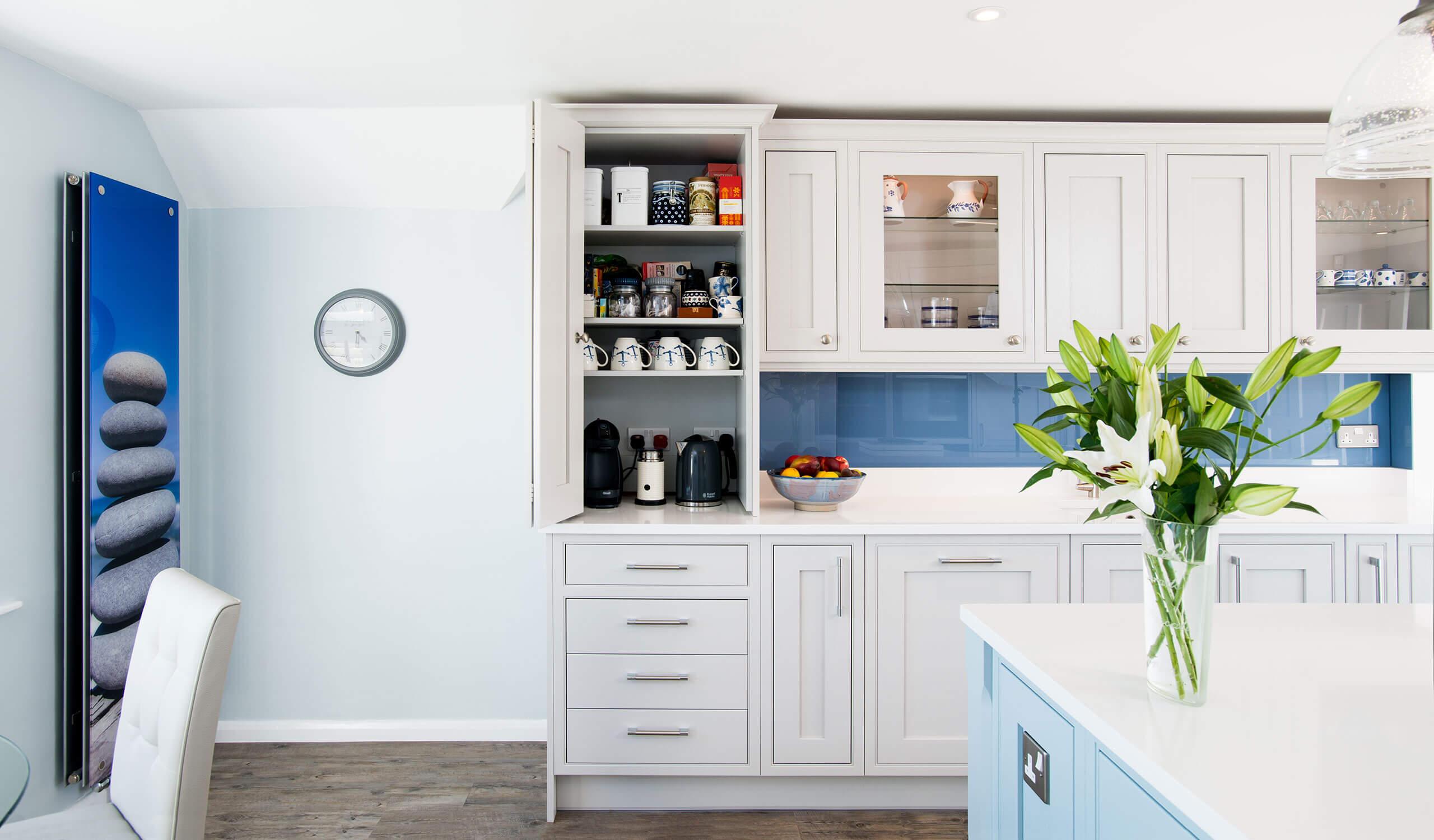 bespoke modern kitchen cabinets
