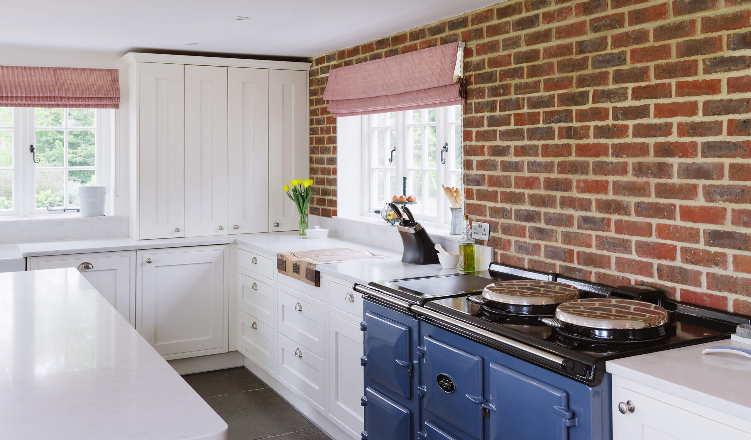 Traditional Kitchen Design cooking appliances